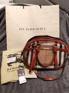 e8870249ce10 Burberry Small Orchard Bag military Red