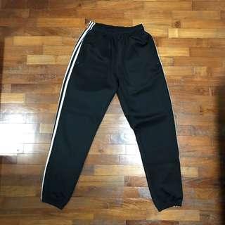 🚚 Black Jogger Pants