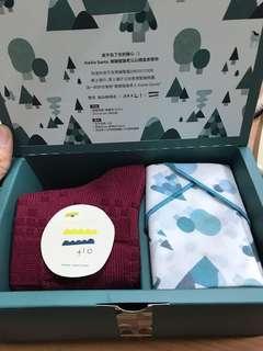 🚚 全新現貨勤美成品綠園道聖誕禮盒 手帕+襪子