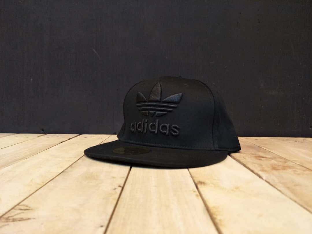 a7850cb0 Adidas Snapback, Men's Fashion, Accessories, Caps & Hats on Carousell