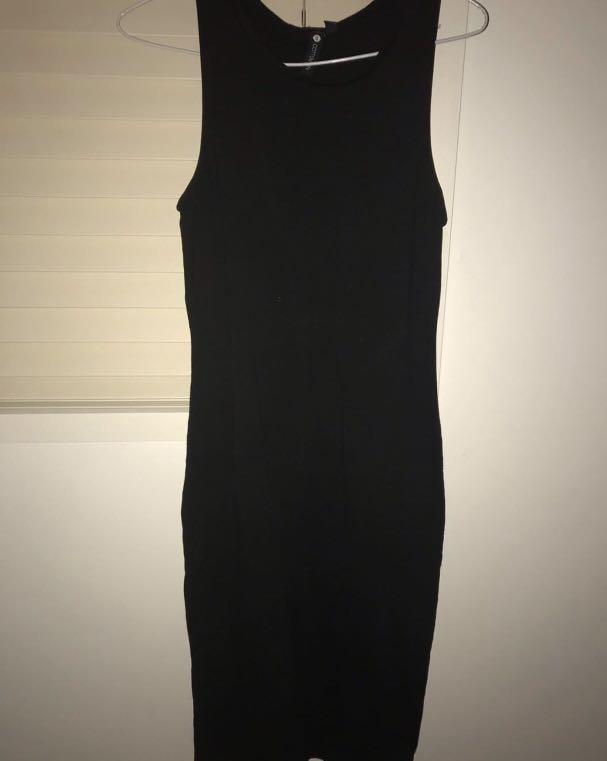 Black dress, perfect for summer