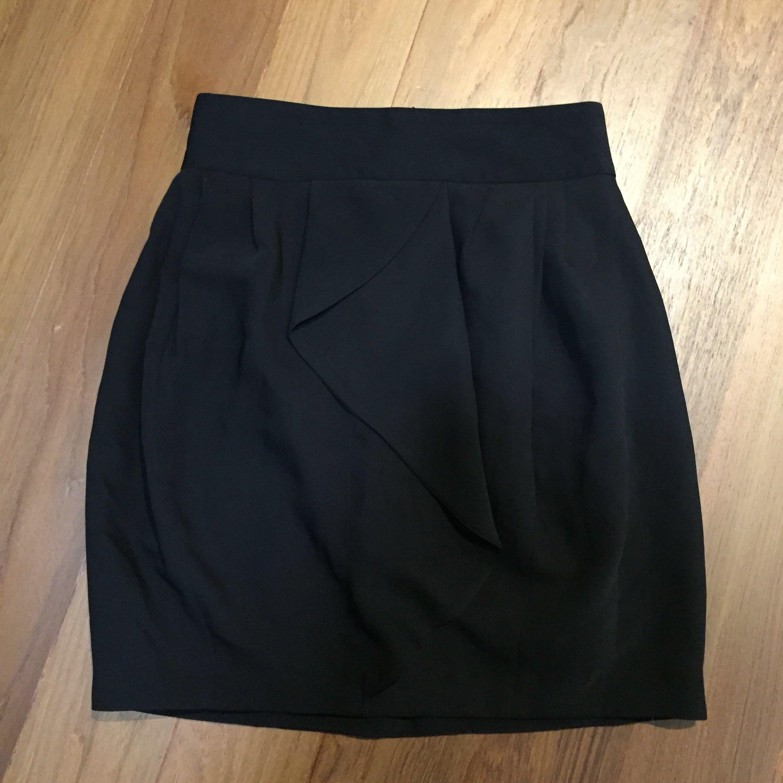 ad99e9ee5d Brand new Zara Basic black drape skirt size M, Women's Fashion ...