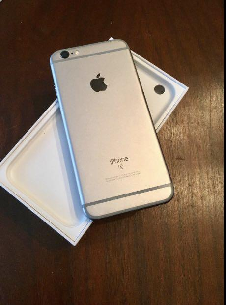 IPhone 6s Space Grey 64 gb (unlocked with accessories)