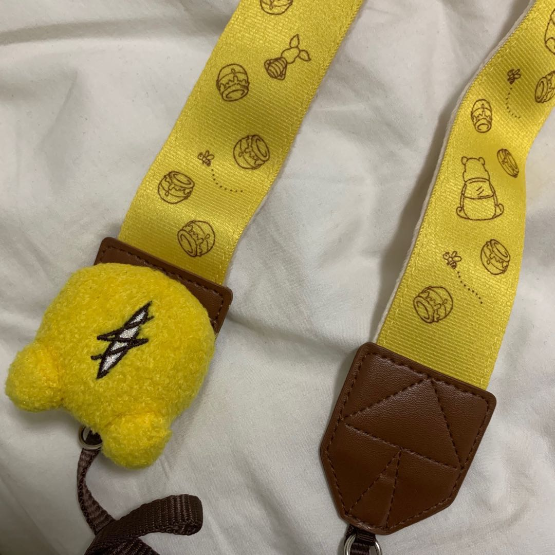 4b1fe597396f Japan Disney store Winnie the Pooh Camera strap
