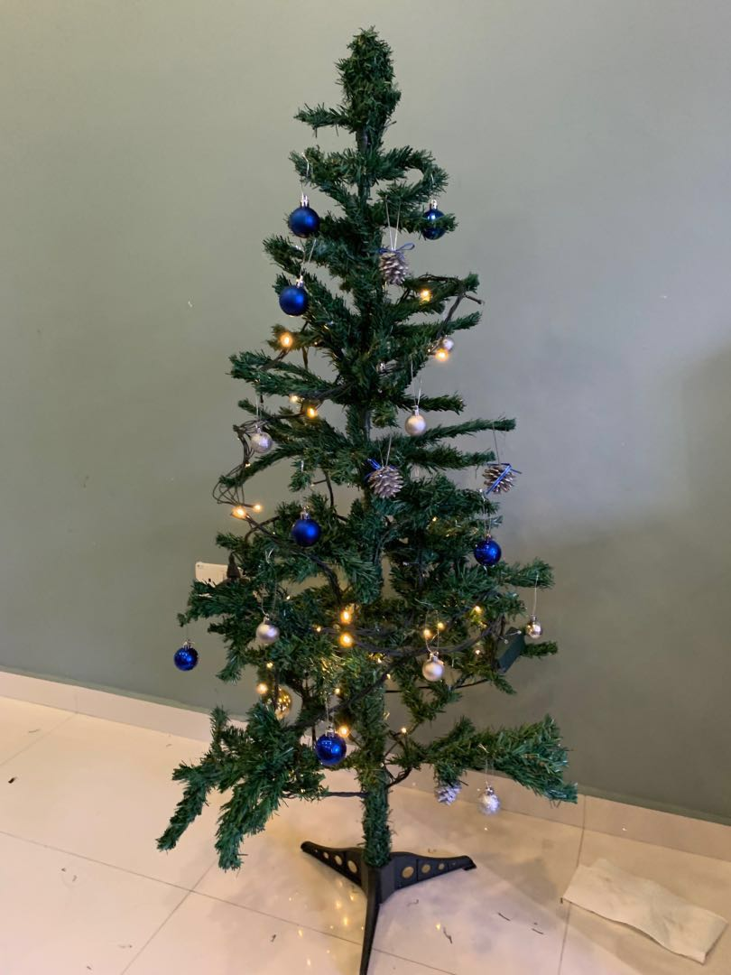 Pre Loved Christmas Tree With Decoration 5 Everything Else On