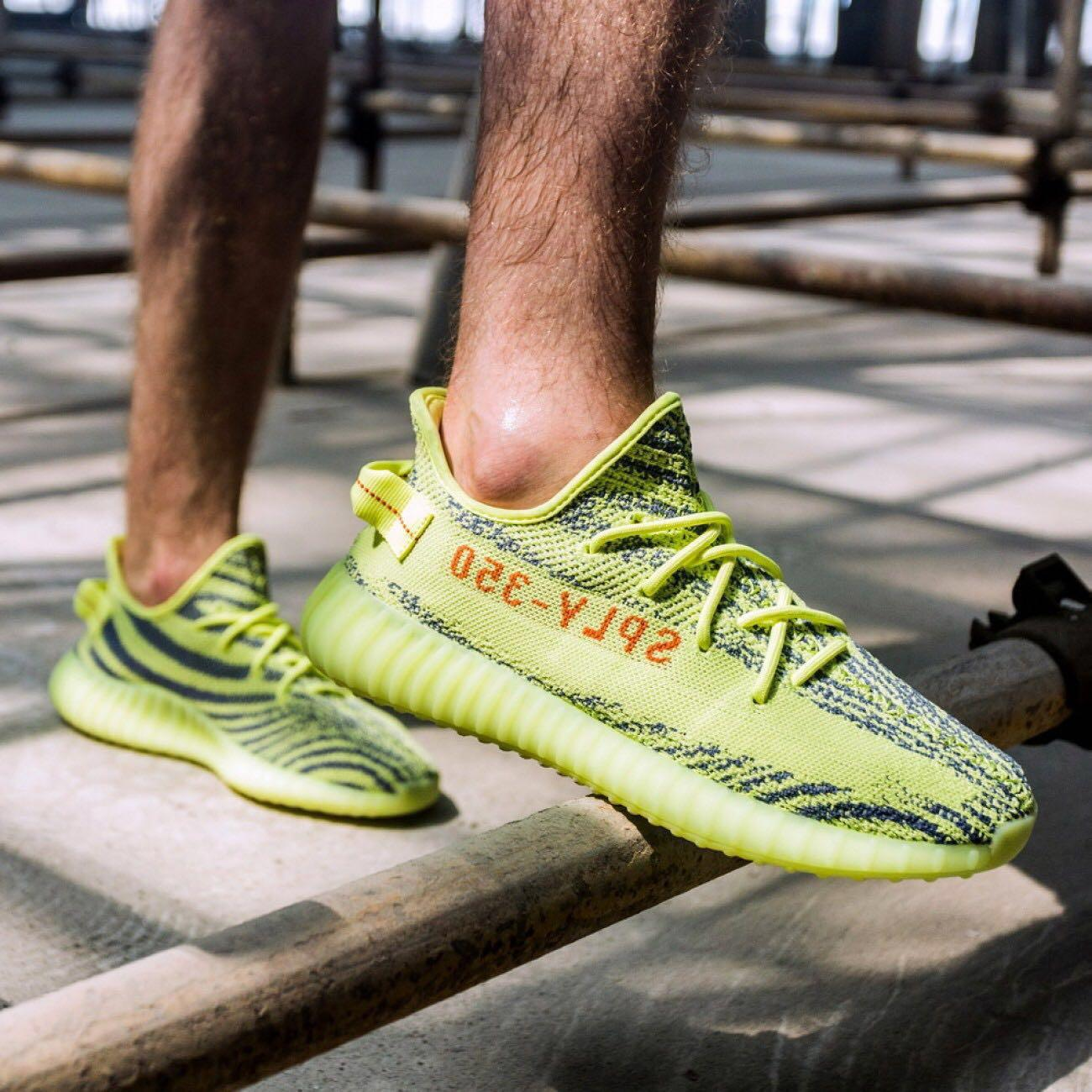 low priced 23c32 4f7bf Yeezy Boost 350 V2 Semi Frozen Yellow, Men's Fashion ...