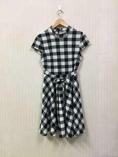 九成新/氣質格子短袖洋裝