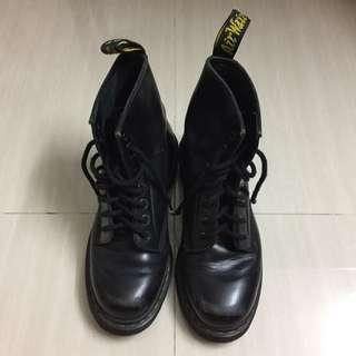 Dr. Martens smooth 1460 8-eye boots