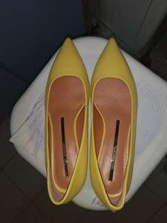 Staccato 矮踭尖頭鞋偏大(不議價)