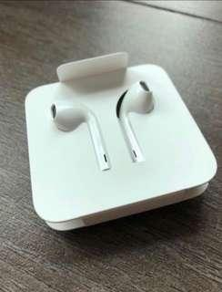 Apple Iphone EarPods + r3.5 Lightning Cable