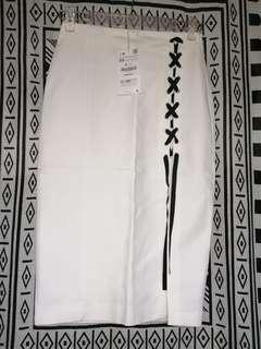 清貨ZARA 白色New Waist Slim Skirt