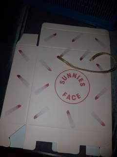 Sunnies Face Gift Box