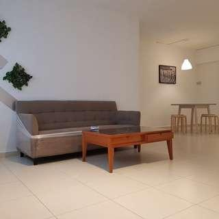 Well Kept, nicely renovated and Immediate Move in condition Whole unit For Rent