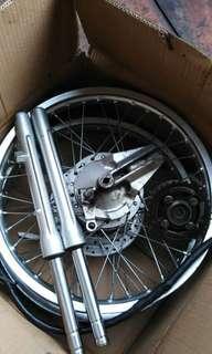 fork ex5 baru lg dgn rim alloy rcb silver nak jual urgent
