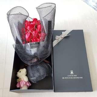 BN 11 Red Soap Roses Bouquet Giftbox