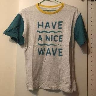 🚚 Uniqlo 英文字母衝浪風 海灘風上衣 have a nice wave #衣櫃大掃除