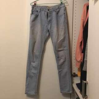 🚚 Catworld 淺色窄版貼腿牛仔長褲 S號 #衣櫃大掃除