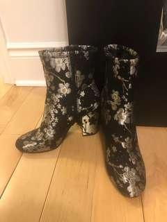 Nine west Corban brocade boot size 7