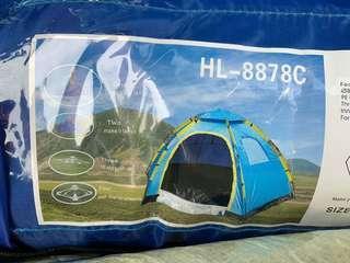 🚚 藍色帳篷