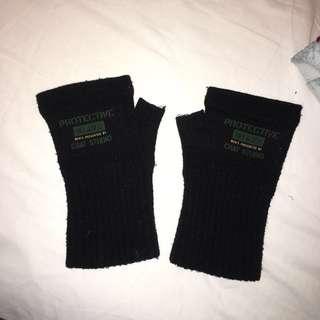 Mens protective half glove