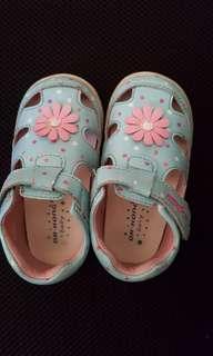 Babies shoes DR Kong Size 22