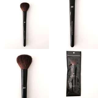 H&M Makeup Brush