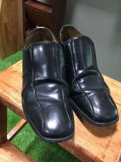 Pre loved to own- Kasut  kulit - confort male leather shoes