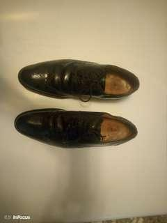 🚚 Clakrs 克拉客皮鞋
