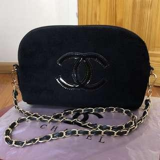 Instock! CHANEL Makeup Fur Clam Shell Style Gold Chain Sling Bag (Black - Black Logo) PO111700200 *GWP* + FREE Post!