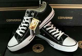 Sepatu convers black and white
