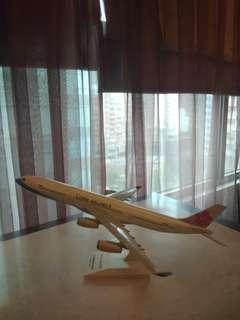 🚚 華航 airbus a340 飛機模型 #居家大掃除