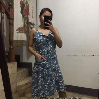 Vintage buttoned dress