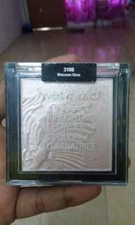 Highlighter powder wet n' wild