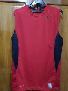 Kaos U can see Merk Nike Original