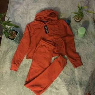 A pair of jogger Size 6