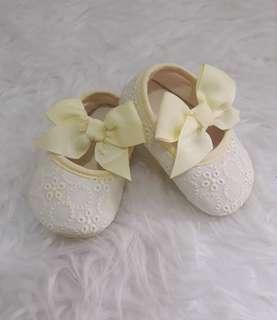 sepatu bayi ribbon flower