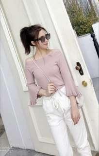 🚚 Off-shoulder bell sleeve top