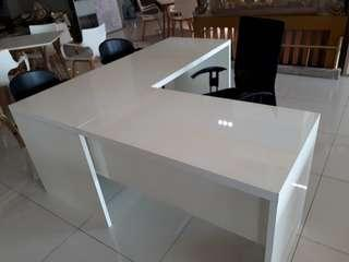 L shape table ( office )