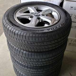 "Hyundai 15"" Stock Rim and Very Good Condition Tyres !"