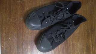 CONVERSE Lowcut Sneakers (All Black)