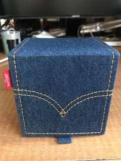 Levi's 標準四方錶盒