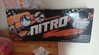 Nitro 滑板車
