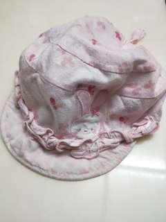 🚚 麗嬰房 粉紅小兔遮陽帽 可束帶 鬆緊及綁帶