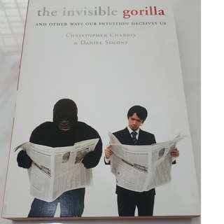 The Invisible Gorilla: And Other Ways Our Intuitions Deceive Us (By Christopher Chabris, Daniel Simons) 0
