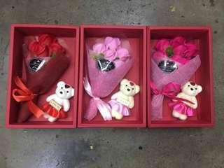 flower soap with bears