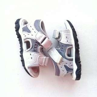 PITTER PAT JUNIOR SANDALS SHOES SIZE 21 18MOS - 24 MOS (GREY)