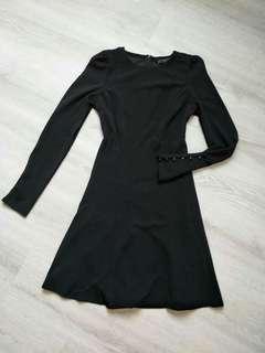 🚚 Zara 黑色顯瘦版小洋裝