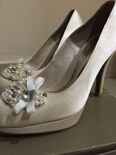 U.R.S & inc. Wedding / High Heel Shoe