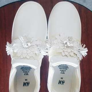 H&M White Sneakers (Brand New)