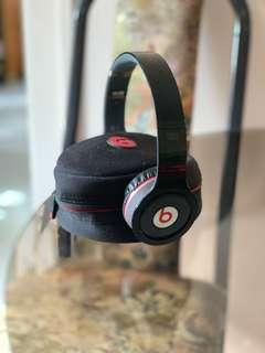 BEATS WIRELESS BLUETOOTH HEADPHONES BLACK
